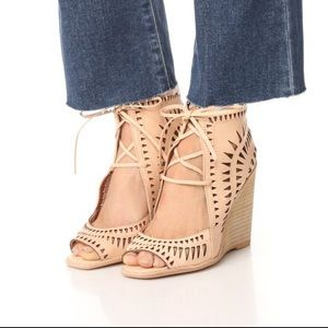 Jeffrey Campbell Wedge Sandal | 6.5 | Leather